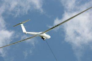 Hier sollte eigentlich ein Bild von unserer DG101 im Start als Beispiel für Luftsportart Segelflug gezeigt werden, aber es ist etwas schief gegangen.